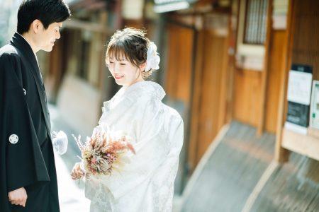 祇園にて和装前撮り中の写真