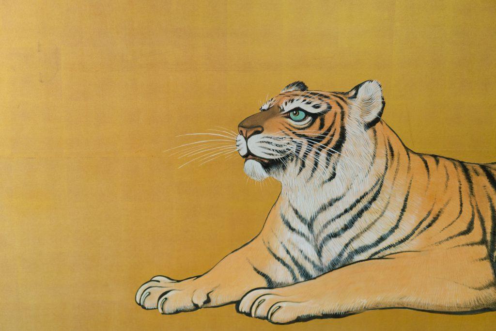 虎の間の襖